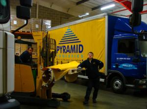брендирование тентов грузового транспорта