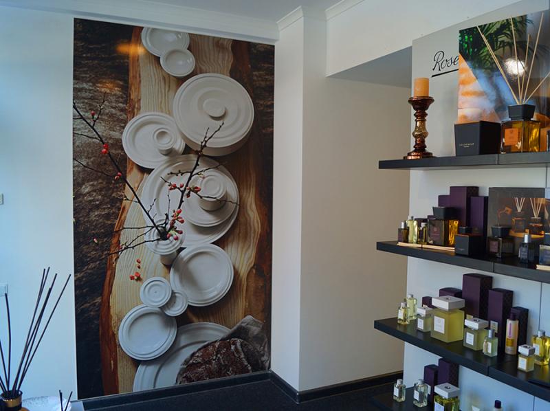 рекламное оформление интерьера бутика посуды